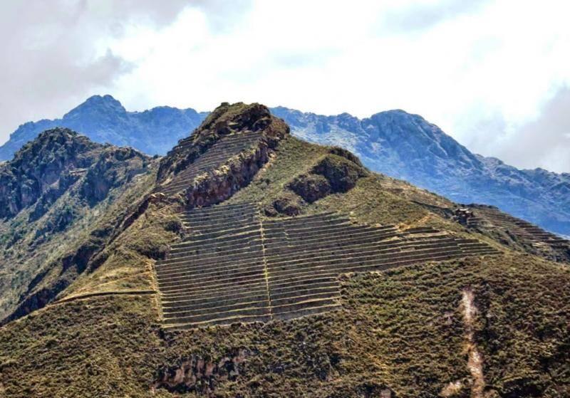 forteresse d'Ollantaytambo dans la vallée de l'Urubamba