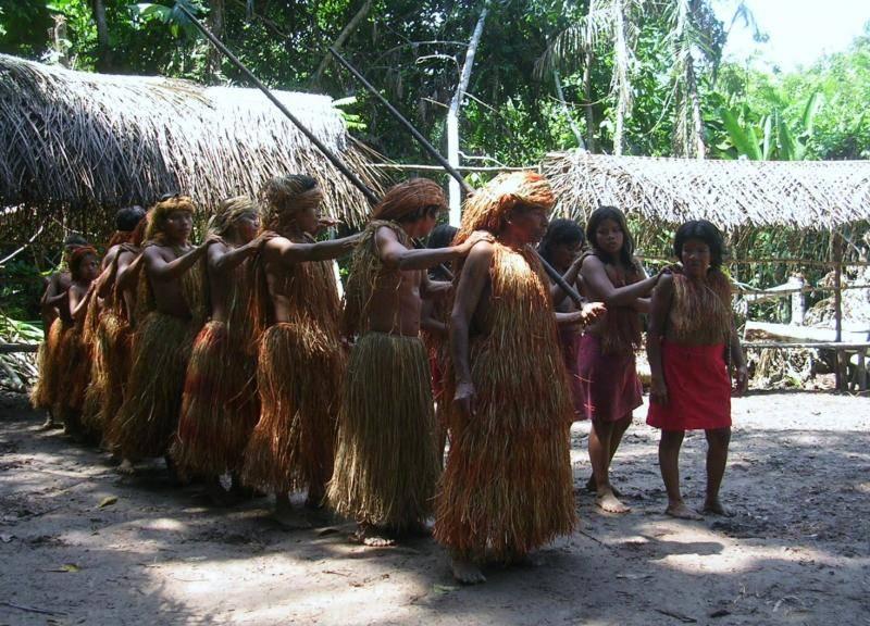 tribu indienne d'amazonie péruvienne