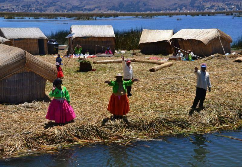 Ile d'Uros sur le lac Titicaca